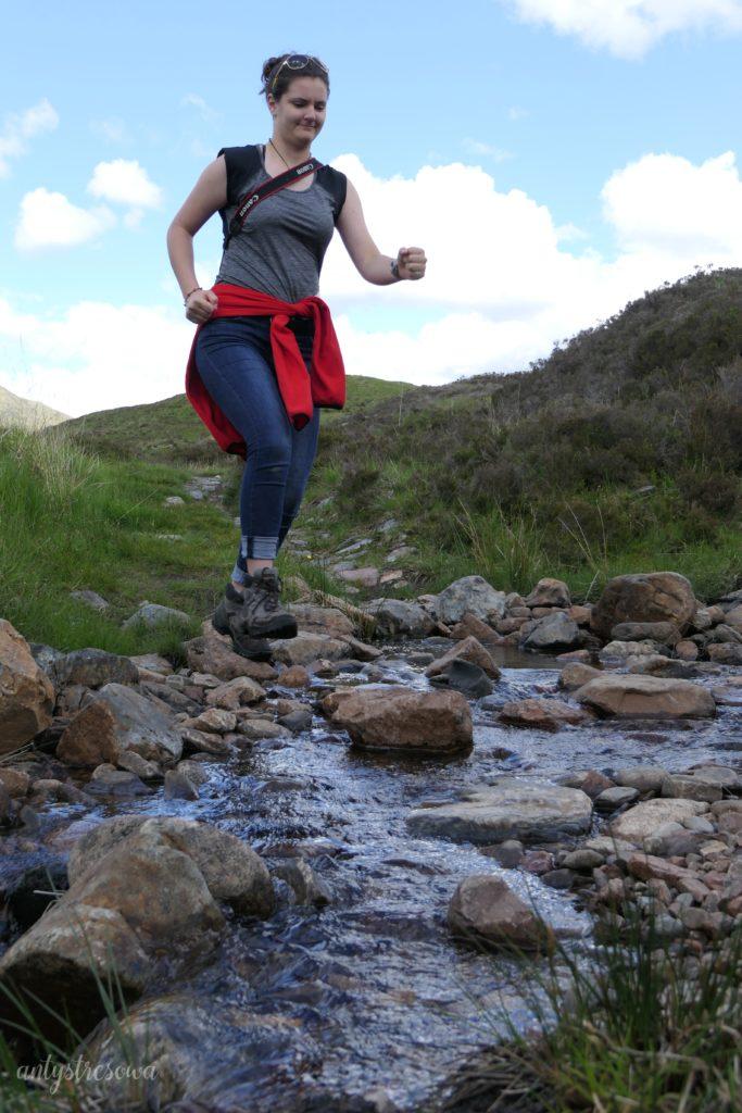 Spacer w górach - świetna forma aktywności, uwalniająca od napięcia.
