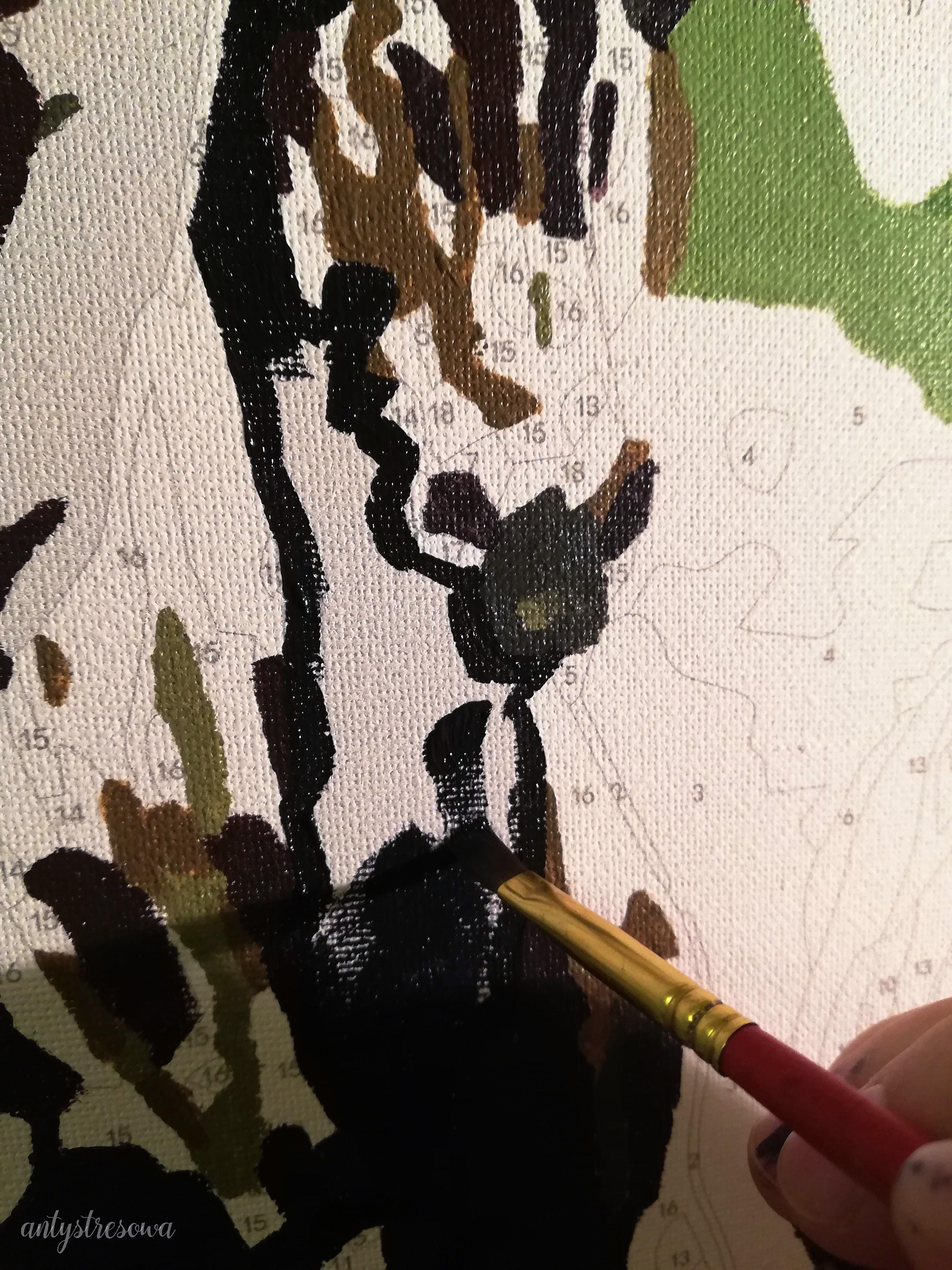 Koń w trakcie malowania