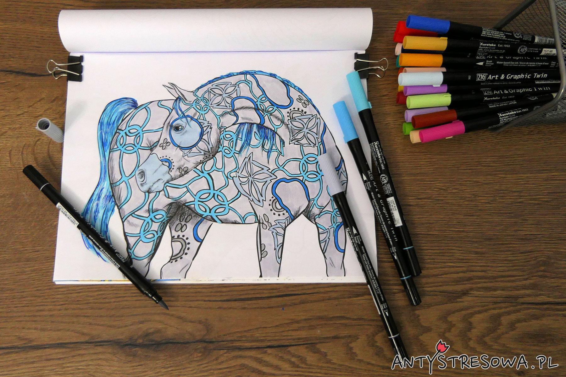 Amazing World of Horses, Cindy Elsharouni - niebieski koń