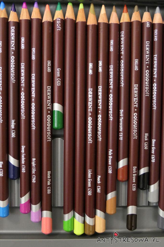 Używane kredki Derwent Coloursoft