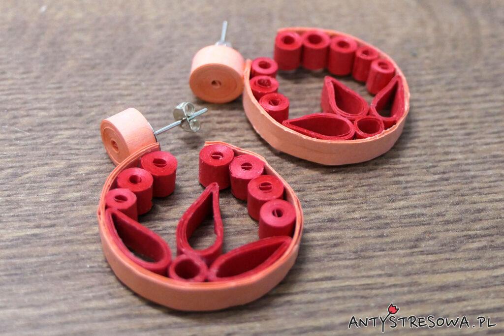 Koliste kolczyki techniką Quillingu - biżuteria z papieru