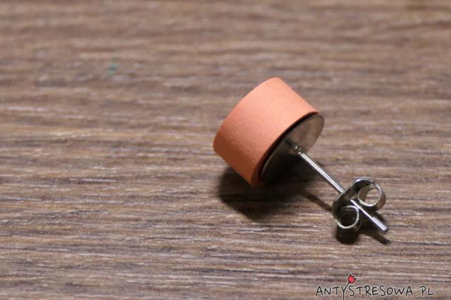 Koliste kolczyki techniką Quillingu