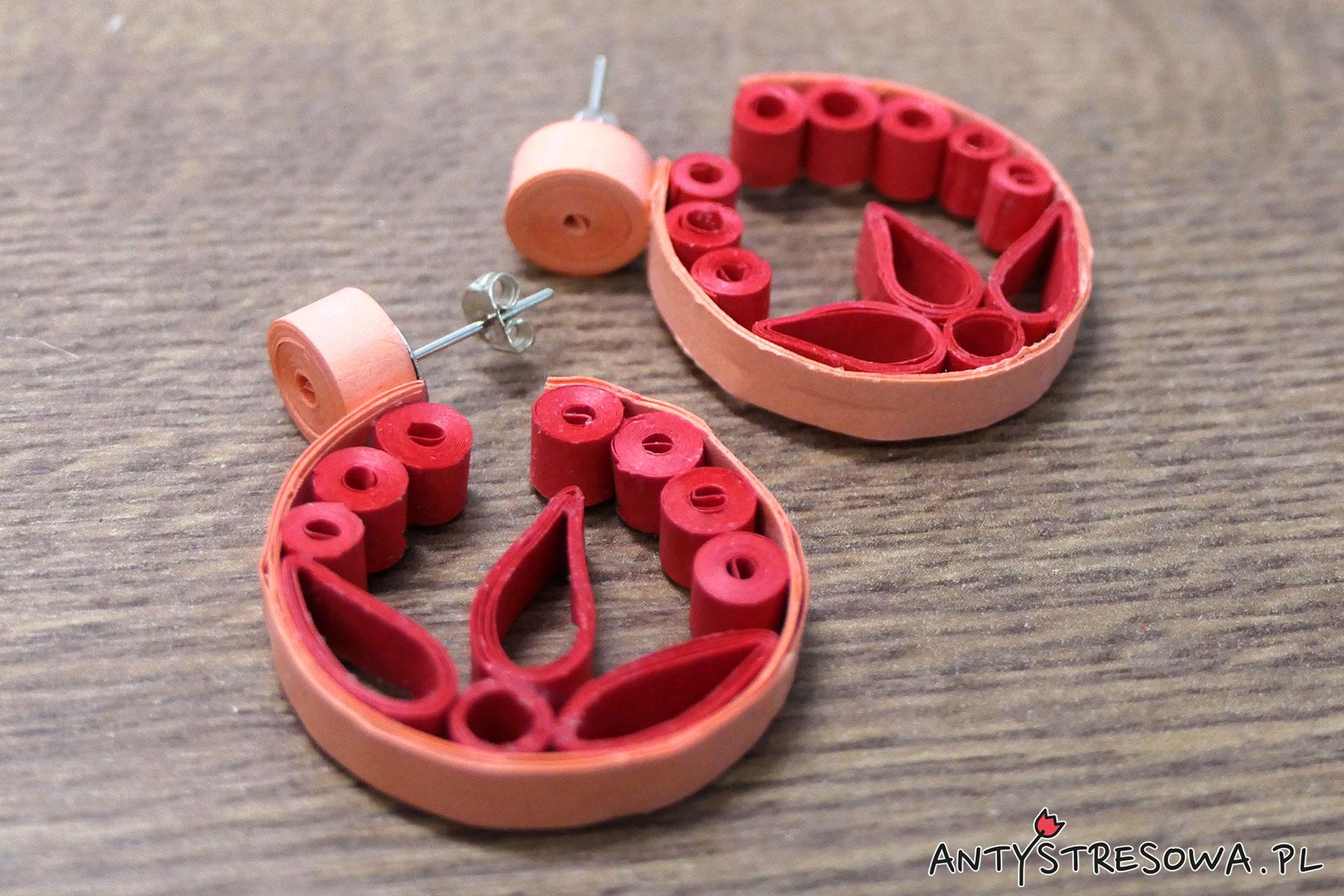 kolczyki koliste wykonane techniką Quillingu