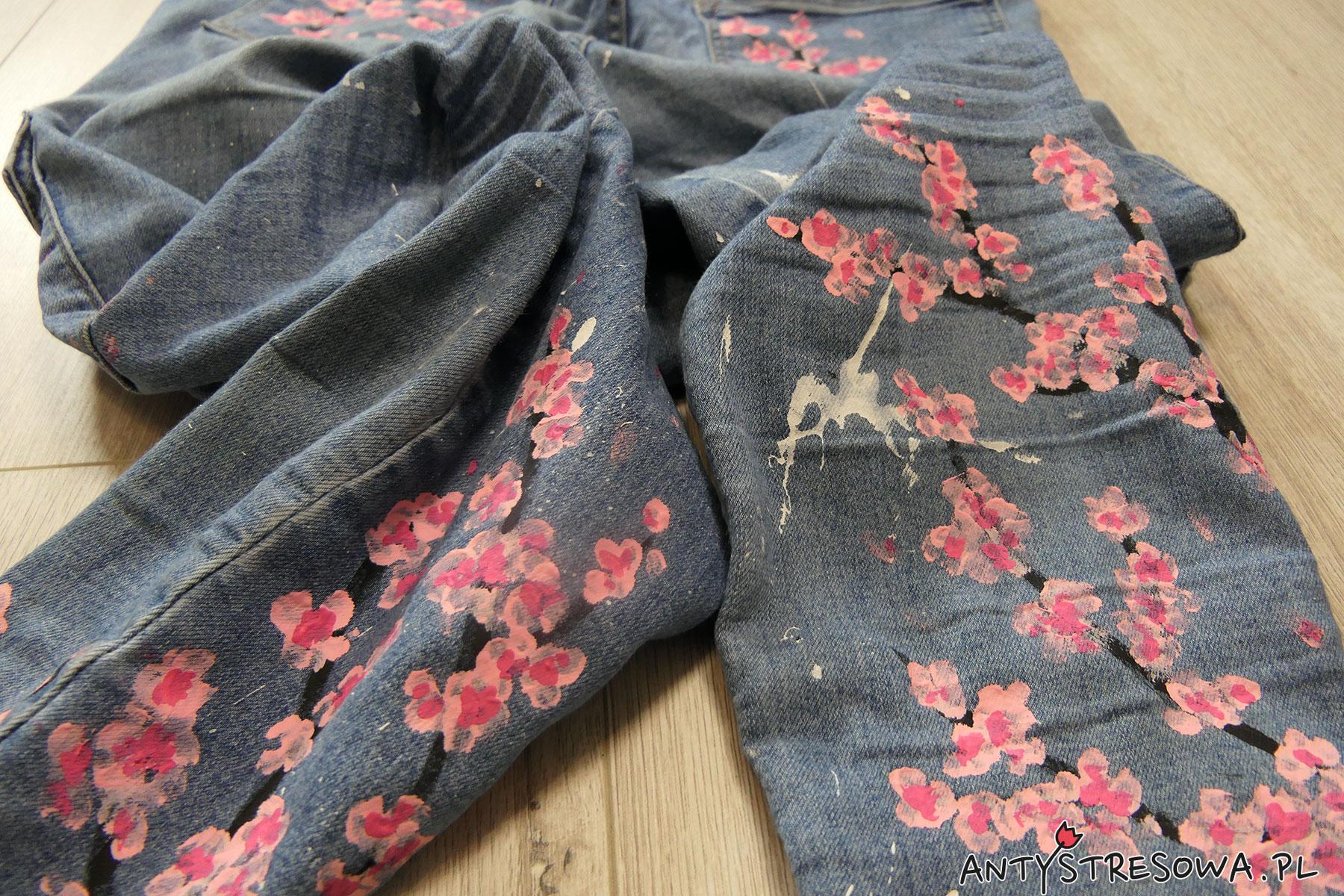 malowane jeansy D.I.Y.